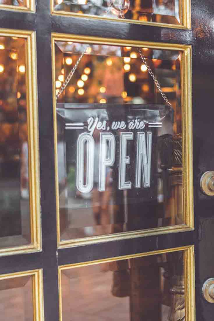 """The following contributed post was written Becky Meredith and comes courtesy of Fat Joe Publishing. It discusses 5 Secrets For """"Cute Store"""" Success."""